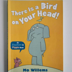 《There is a bird on your head》 BY Mo Willems
